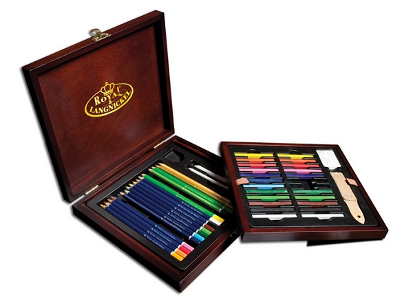 Royal Langnickel Deluxe Wooden Drawing Set
